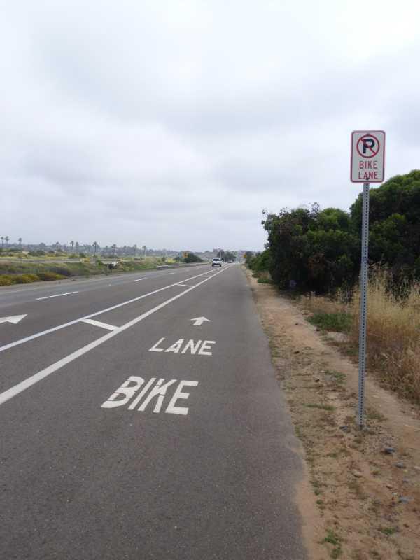 bike lane before Carlsbad