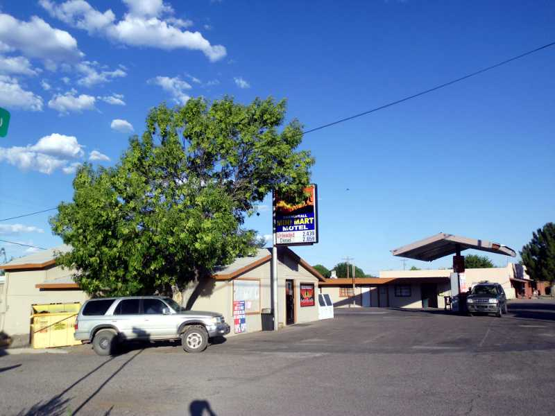 Chaparral Mini Mart and Motel Duncan