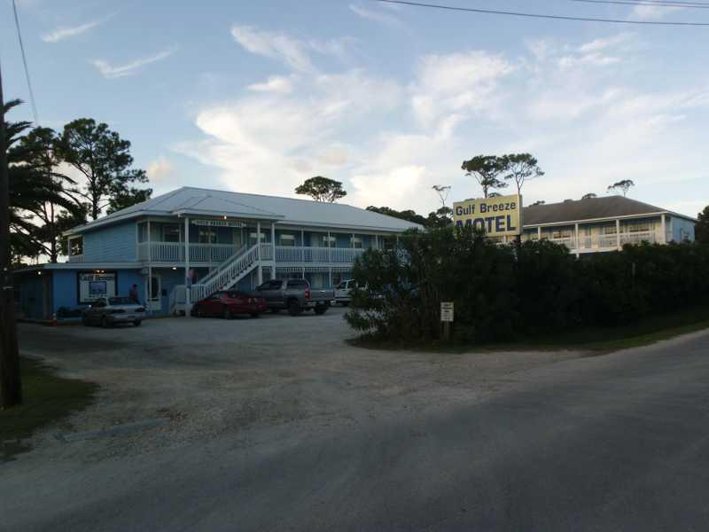 Gulf Breeze Motel